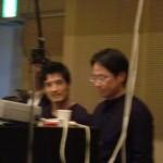 左から音響の押山氏。手前は初登場照明の藤井氏。